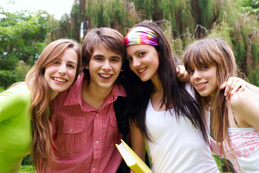 The Happiest Teens Use Smartphones, Digital Media Less Than An Hour A Day